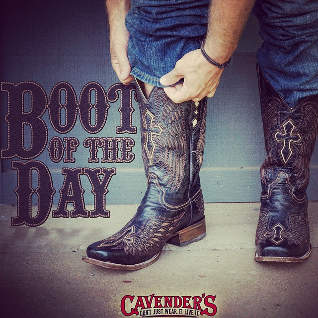Double tap if you would rock these edgy square toe #cowboyboots from @corralboots! #bootoftheday #getyourbootson