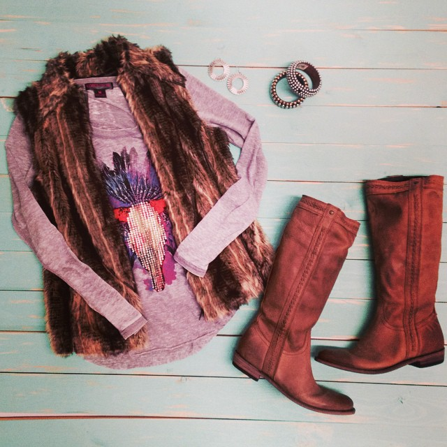 Are y'all ready for fall? Click the link in our bio to shop this outfit! #cavenders #fallweather #fall #boots