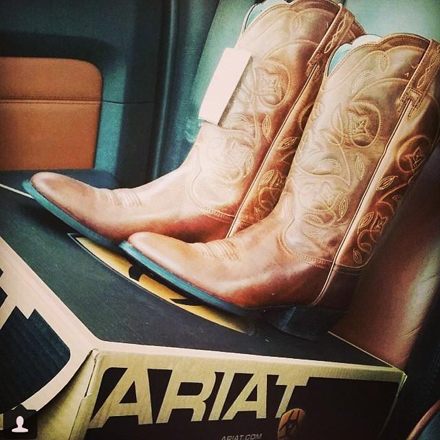 Two words: precious cargo. @ariatinternational #cowboyboots #Cavenders